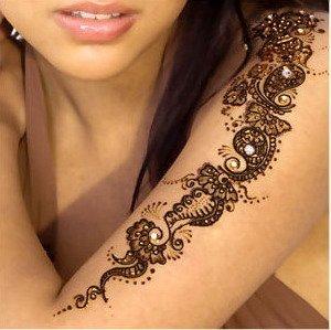 Рисунки на теле хной, трафареты и различные тату