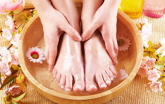 Уход за кожей ступней в зимний период