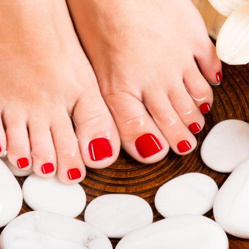 Комплексный уход за ногами в салоне красоты «Афродита» для гладкости Ваших пяточек!
